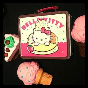 Hello Kitty Lunch Box with squishy desserts